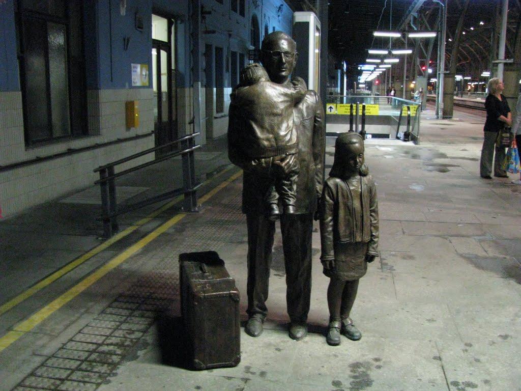 Памятник Праги необычный