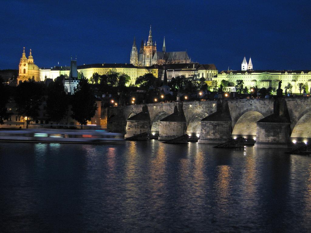 Карлов мост, Прага Чехия