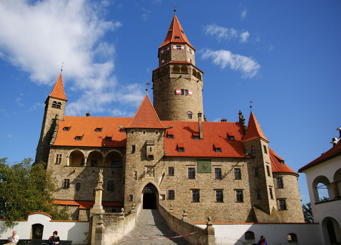 Замок Боузов, Чехия