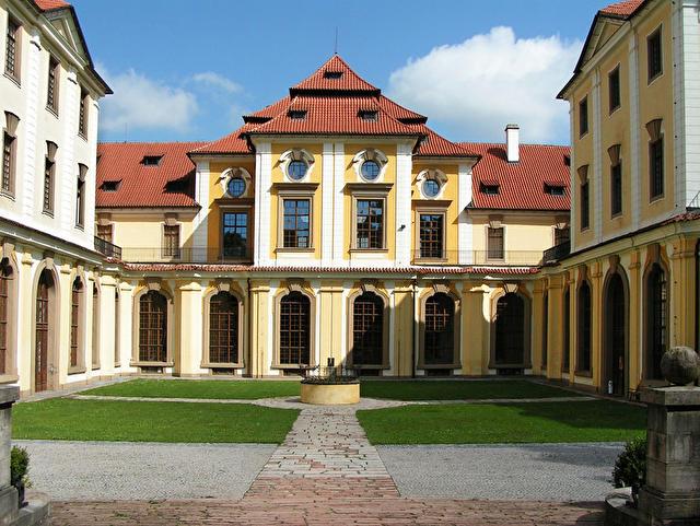 Збраслав, Прага